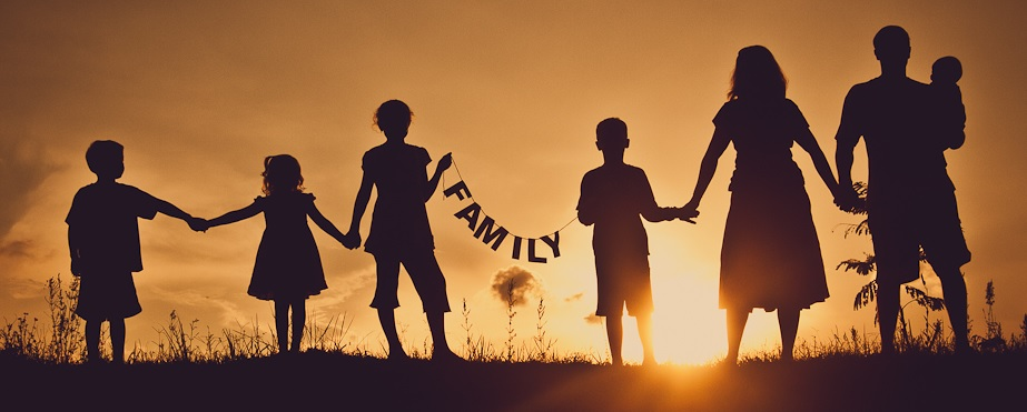 Family-Silhouette-Pic